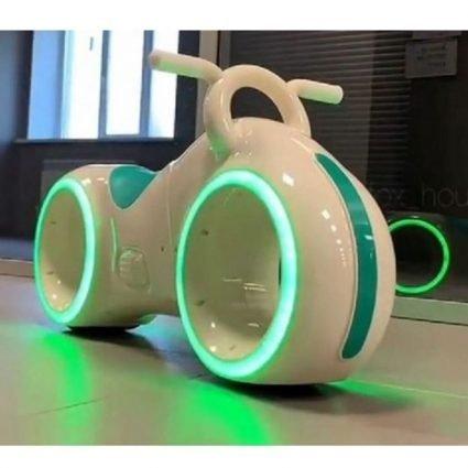 Беговел Star One Scooter - DB002 бело-зеленый (устойчивые колеса, подсветка, музыка)